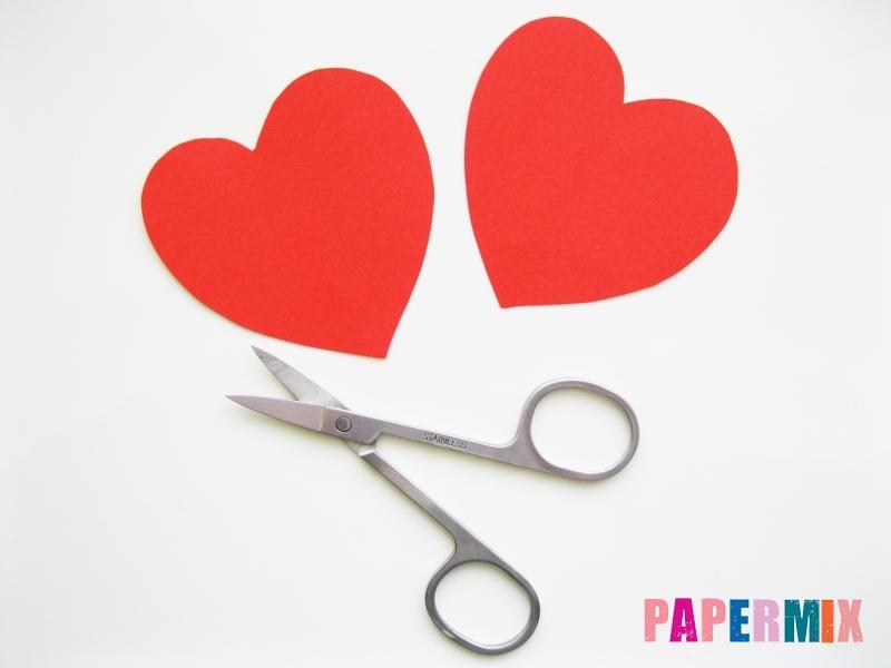 Как сделать цветочки из чупа-чупса ко дню святого Валентина - шаг 1