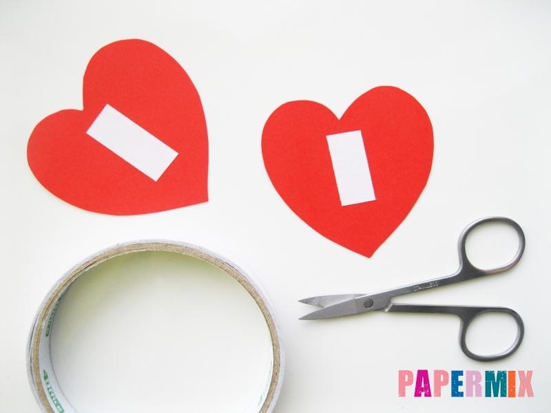 Как сделать цветочки из чупа-чупса ко дню святого Валентина - шаг 2