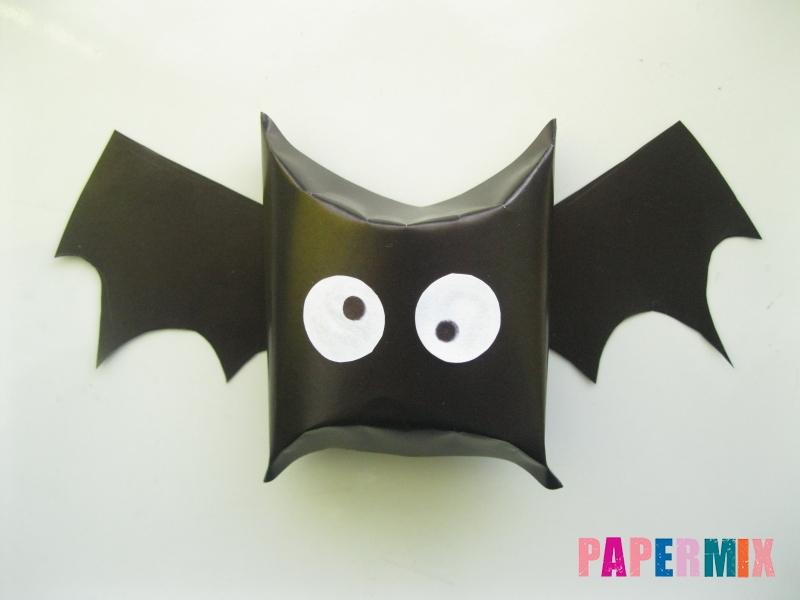 Как сделать летучую мышь на хэллоуин из бумаги - шаг 10