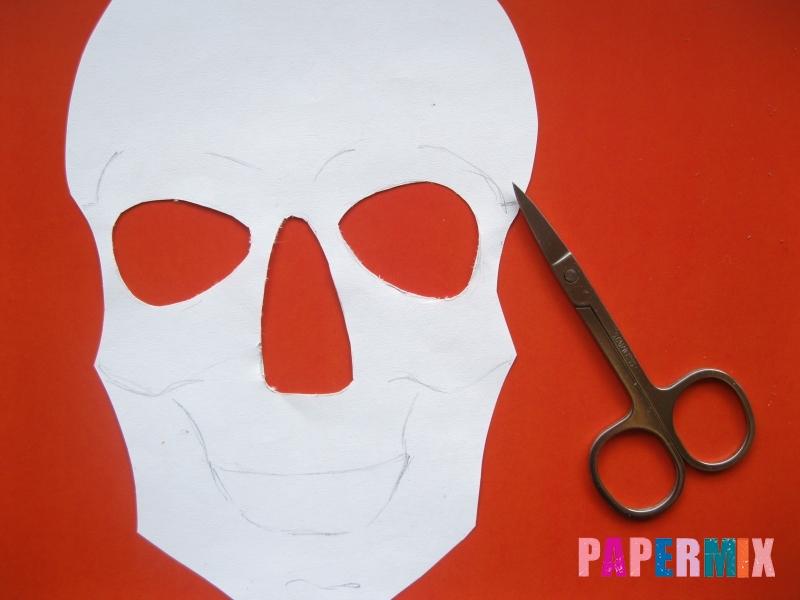 Как сделать маску скелета на хэллоуин из бумаги своими руками - шаг 5