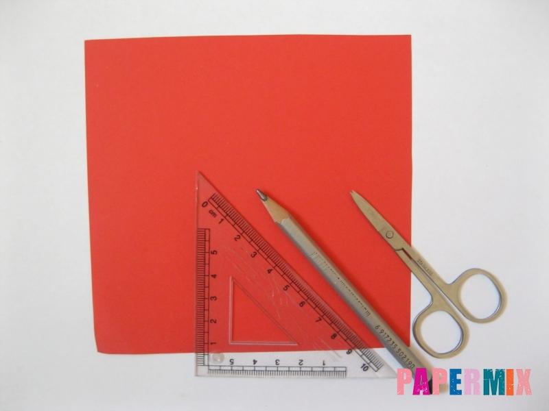 Как сделать снежинку из бумаги своими руками  - шаг 1