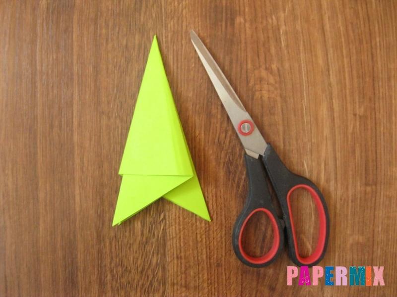 Как сделать снежинку из бумаги своими руками фото и видео - шаг 5