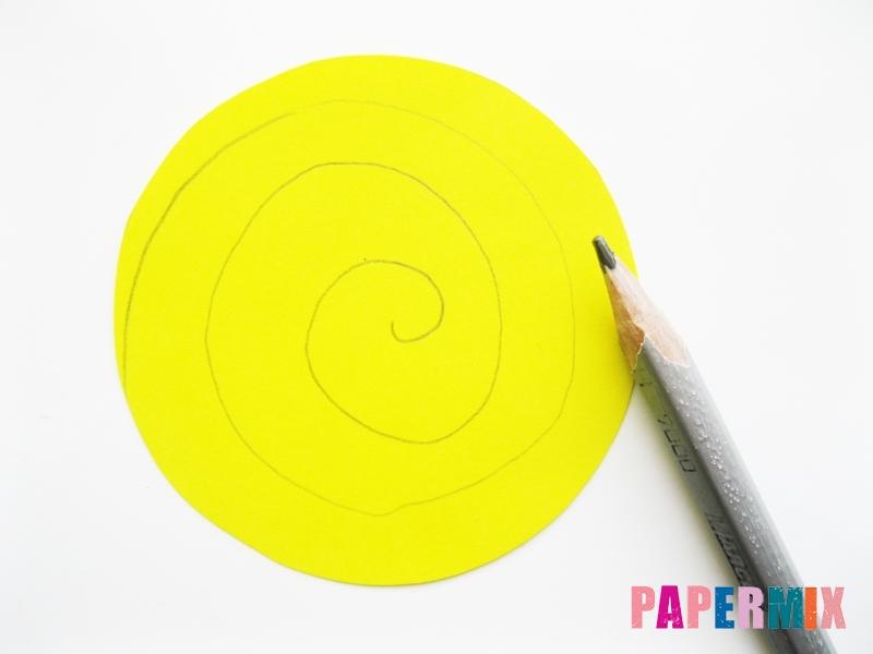 Как сделать букет роз из цветной бумаги своими руками - шаг 2