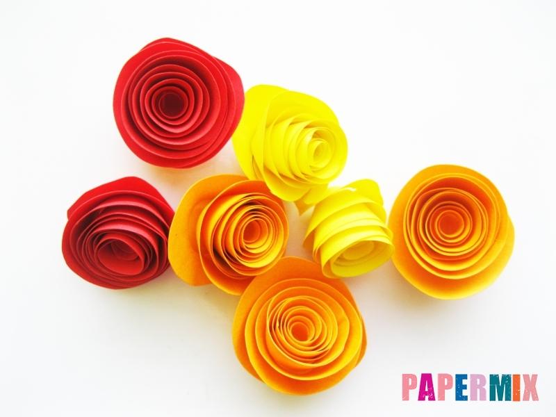 Как сделать букет роз из цветной бумаги своими руками - шаг 6