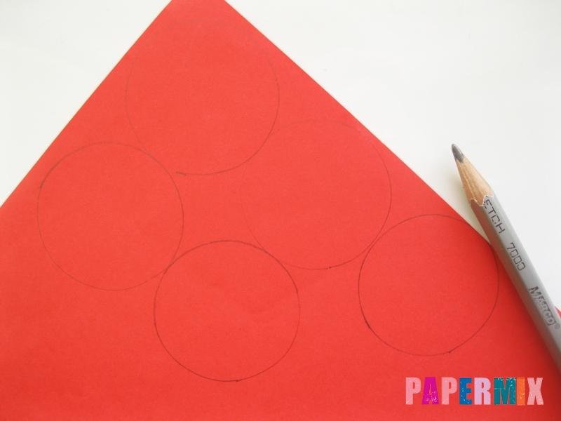 Как сделать гвоздику из цветной бумаги поэтапно - шаг 1