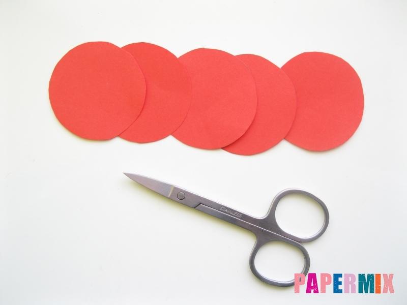Как сделать гвоздику из цветной бумаги поэтапно - шаг 2