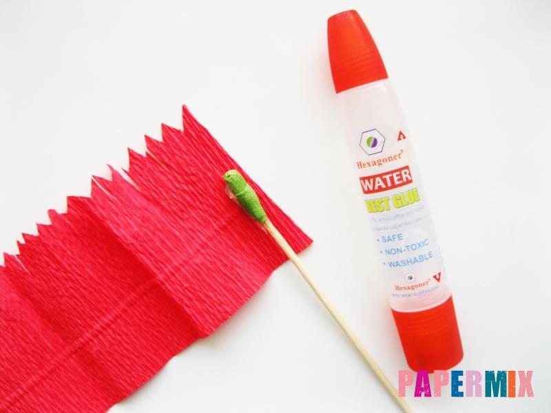 Как сделать гвоздику из гофрированной бумаги поэтапно - шаг 5