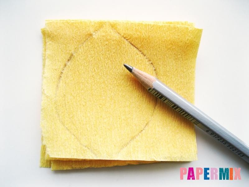 Как сделать ирис из гофрированной бумаги поэтапно - шаг 2