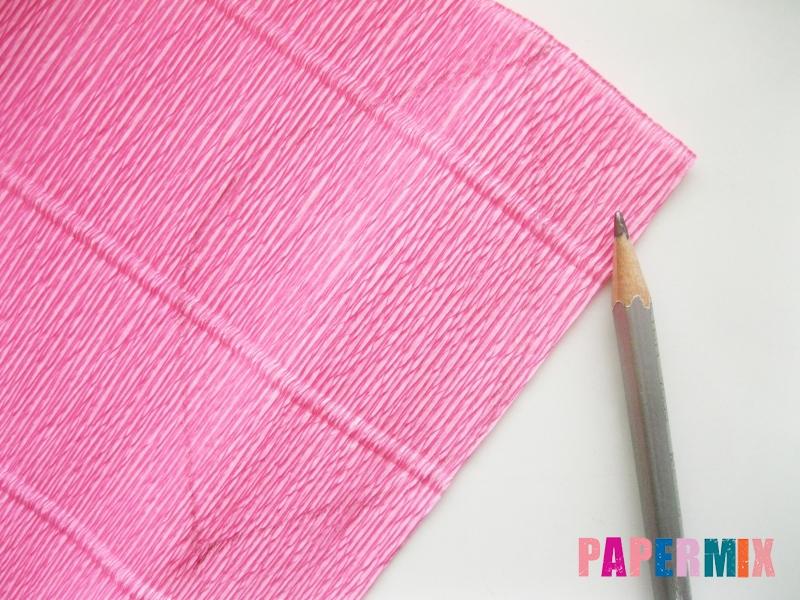Как сделать каллы из гофрированной бумаги поэтапно - шаг 1