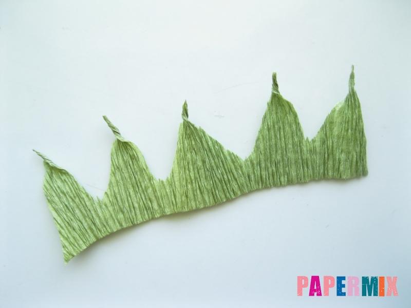 Как сделать лилию из гофрированной бумаги своими руками - шаг 5