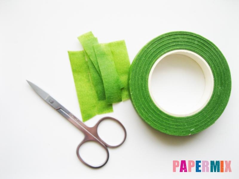 Как сделать розу из гофрированной бумаги поэтапно - шаг 11