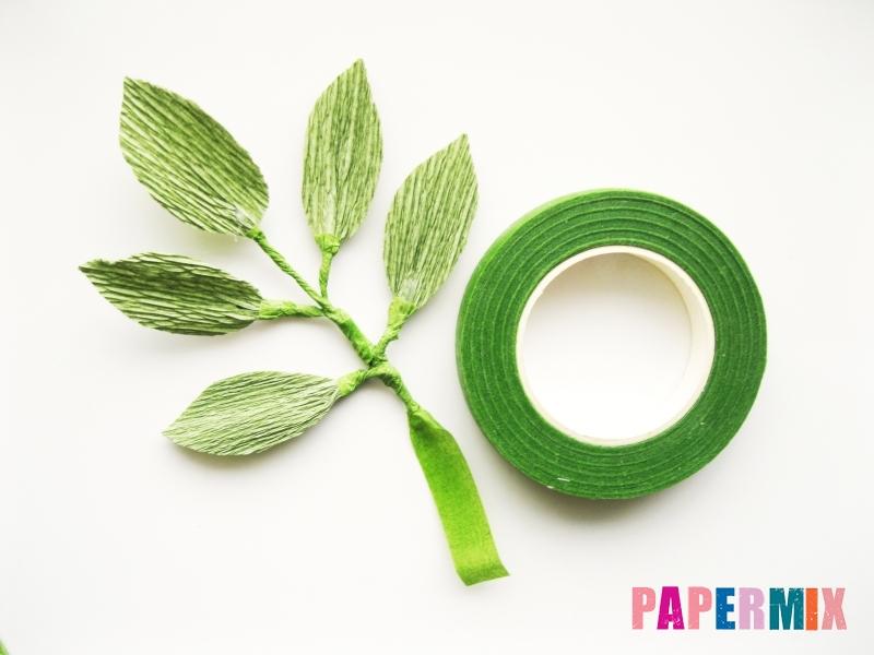 Как сделать розу из гофрированной бумаги поэтапно - шаг 20