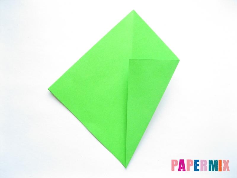 Как сделать ромб из бумаги (оригами) поэтапно - шаг 3