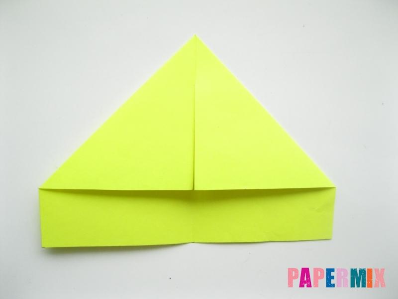 Как сделать летающий самолет из бумаги своими руками - шаг 1