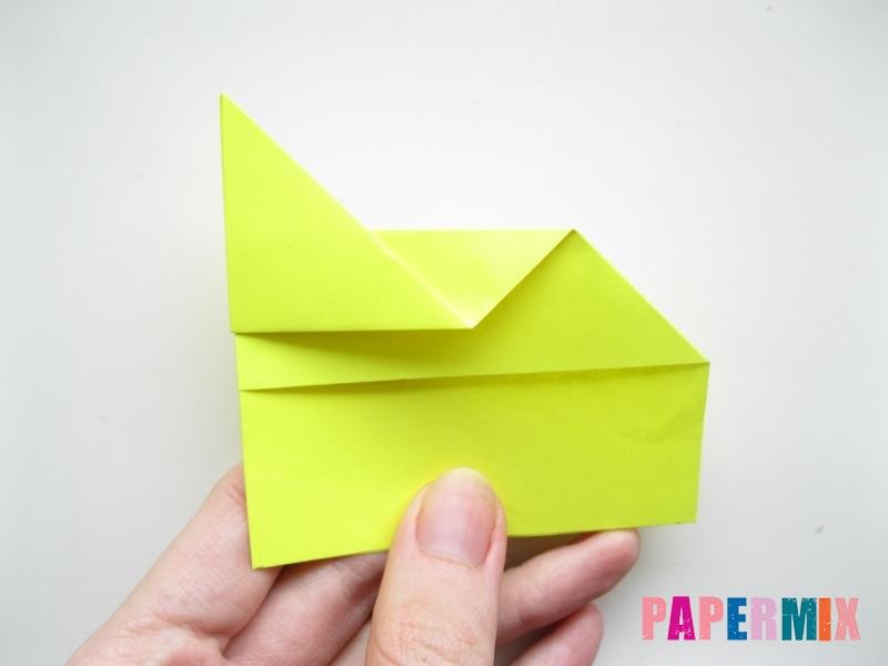 Как сделать летающий самолет из бумаги своими руками - шаг 4
