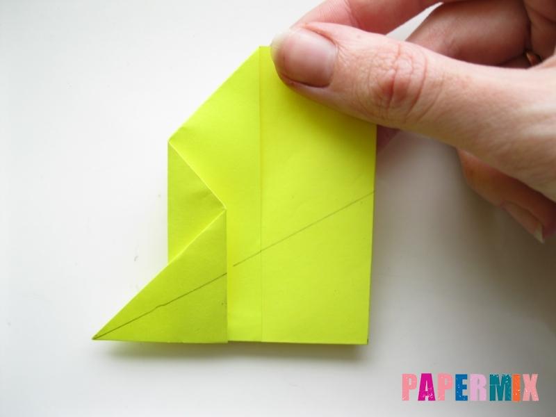 Как сделать летающий самолет из бумаги своими руками - шаг 6