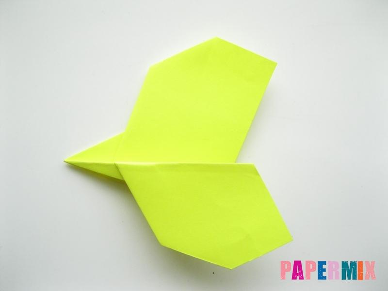 Как сделать летающий самолет из бумаги своими руками - шаг 7