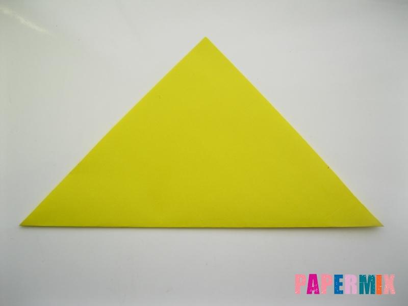 Как сделать закладку для книг в виде миньона из бумаги - шаг 2