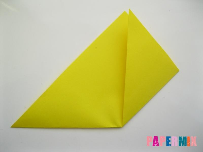 Как сделать закладку для книг в виде миньона из бумаги - шаг 3