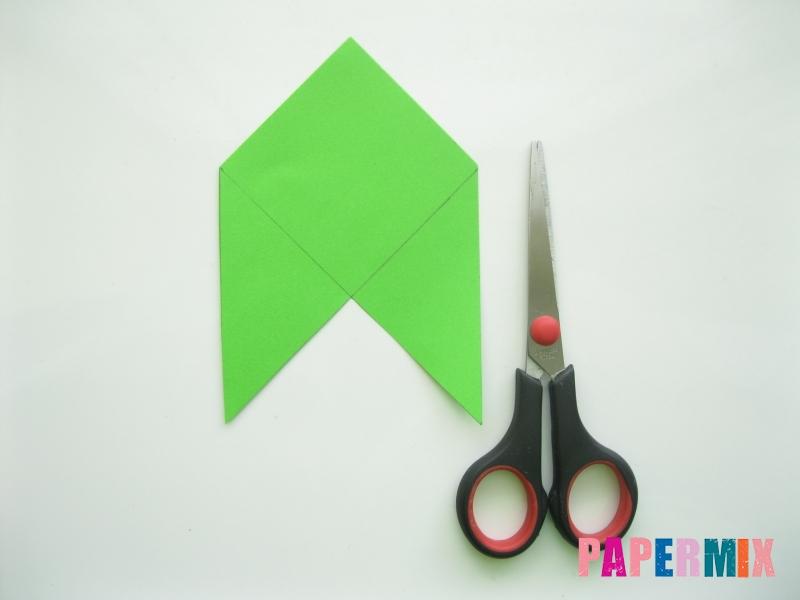 Как сделать закладку в форме лягушки из бумаги - шаг 3