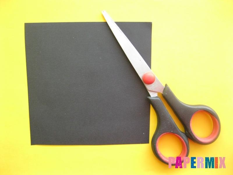 Как сделать закладку в виде енота из бумаги поэтапно - шаг 1