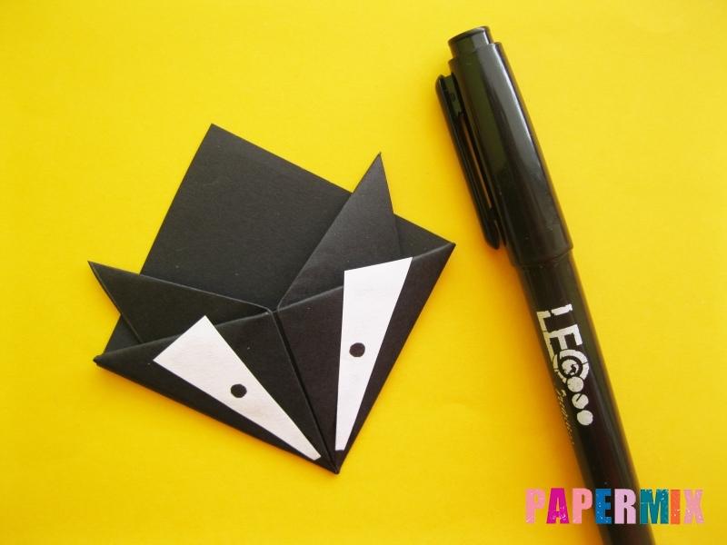 Как сделать закладку в виде енота из бумаги поэтапно - шаг 13