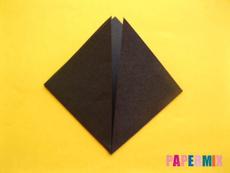 Как сделать закладку в виде енота из бумаги поэтапно - шаг 4