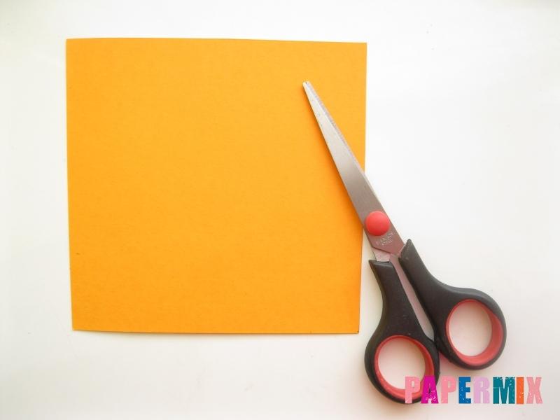 Как сделать закладку виде мордочки лисички из бумаги - шаг 1