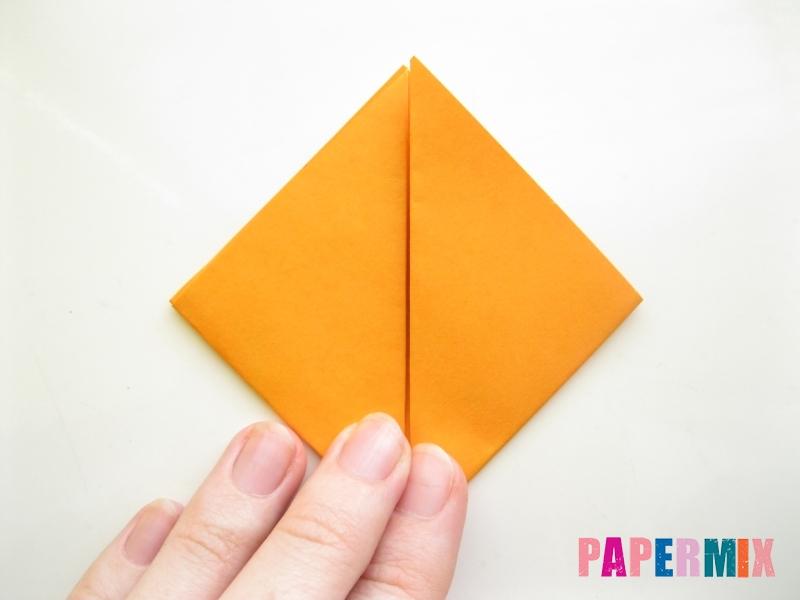 Как сделать закладку виде мордочки лисички из бумаги - шаг 4