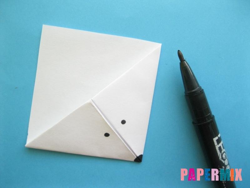 Как сделать закладку зайчик из бумаги поэтапно - шаг 11