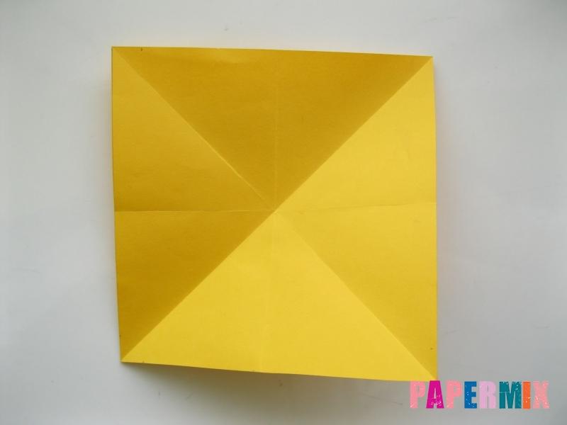 Как сделать бабочку из бумаги поэтапно - шаг 1
