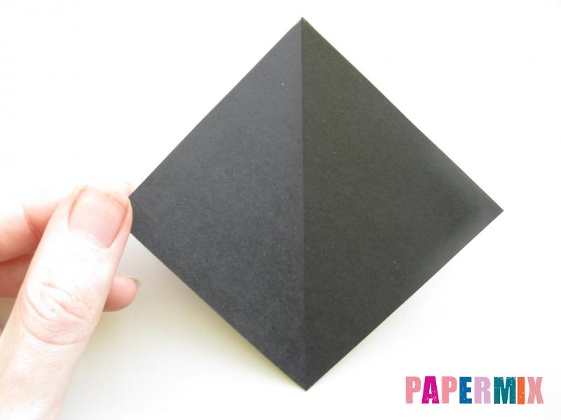 Как сделать черного кота из бумаги поэтапно - шаг 2