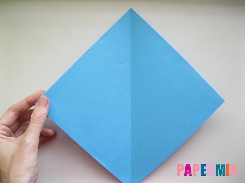 Как сделать дельфина из бумаги поэтапно - шаг 1