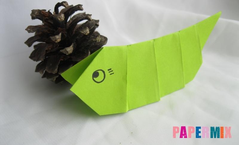 Как сделать гусеницу из бумаги в технике оригами своими руками